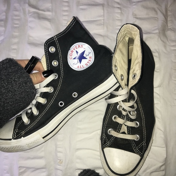 735a8fa562f Converse Shoes - Great Condition Old Black Converse
